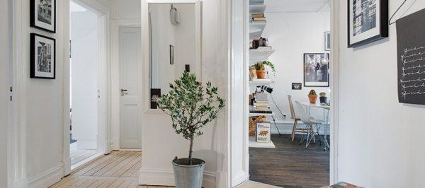 Оформлення передпокою в квартирі: скандинавський або англійський стиль?