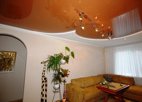 Натяжна підлогу в інтер'єрі будинку: плюси і мінуси