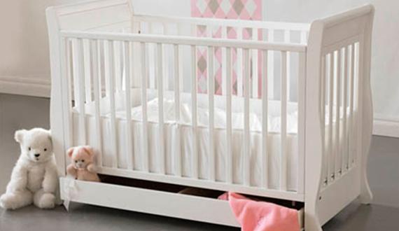 Як створити красиву і безпечну дитяче ліжко своїми руками?