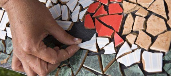 Як зробити стіл з керамічної плитки своїми руками