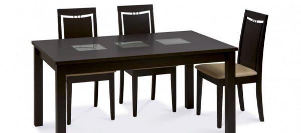 Дерев'яна яний кухонний стіл і особливості його правильного вибору