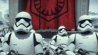 Марк Хемілл в костюмі штурмовика поспілкувався з фанатами «Зоряних воєн»